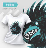 Progettazione moderna astratta della stampa della maglietta con il corvo Immagini Stock Libere da Diritti