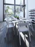 Progettazione moderna della sala da pranzo con lo scaffale del vino Fotografie Stock Libere da Diritti