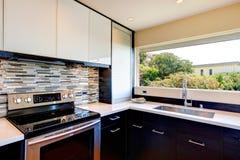Progettazione moderna della stanza della cucina Fotografia Stock Libera da Diritti