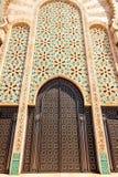 Progettazione tradizionale di architettura marocchina Moschea di Hassan II nel Ca Fotografia Stock