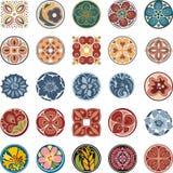 Progettazioni ornamentali floreali del cerchio fissate Fotografia Stock