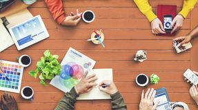 Progettista multietnico Brainstorming Contemporary Concept immagini stock libere da diritti