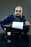 Programa de escritura calvo pasado de moda en vidrios Imágenes de archivo libres de regalías