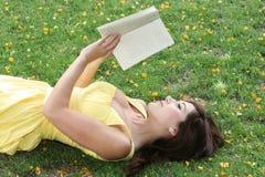 Programa de lectura magnífico del libro Fotos de archivo