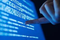 Programando, el sistema operativo, sistema de numeración, lenguaje de programación, programas para cortar, cifra foto de archivo libre de regalías
