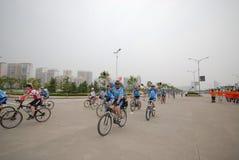 Programas fitness maciços motorista-extensivos de competência da bicicleta Imagens de Stock