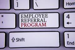 Programme de référence des employés d'écriture des textes d'écriture La signification de concept recommandent le bon courrier du  Images stock