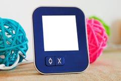 Programmeerbare digitale thermostaat met het aanrakingsscherm stock foto
