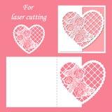 Programmeerbare lasersnijder Enveloppatroon met een patroon van rozen Huwelijk of Valentine-kanthart royalty-vrije illustratie