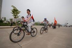 Programmes de remise en forme de masse conducteur-étendus de emballage de bicyclette Photo libre de droits