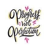Progredisce non la perfezione Iscrizione disegnata a mano di vettore Citazione ispiratrice motivazionale illustrazione di stock