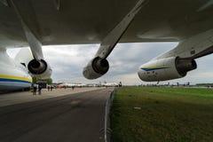 Progreso D-18T de los turboventiladores del avión de pasajeros estratégico Antonov An-225 Mriya por Antonov Airlines Fotos de archivo libres de regalías