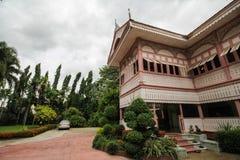 Prohíba la casa histórica de Wongburi en Phrae, Tailandia fotos de archivo