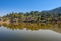 Proiba a vila tailandesa de Rak, um pagamento chinês Foto de Stock Royalty Free
