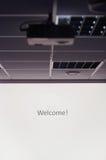 Proiettore e schermo bianco Fotografia Stock Libera da Diritti