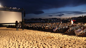 Proiezione all'aperto di film durante il festival cinematografico 2013 di Cannes Immagine Stock Libera da Diritti