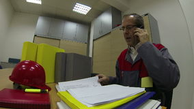 Project manager With Cellphone archivi video