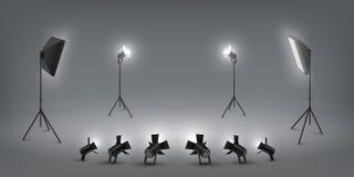 Projecteur r?aliste Effets de la lumi?re de studio, projecteurs et softbox, studio de photo et lumi?re d'?tape Ensemble de vecteu illustration stock