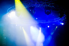 Projecteurs au concert Image stock