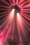 Projecteurs dans la tente de cirque photographie stock libre de droits