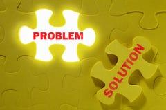 Projectile conceptuel avec la partie manquante de puzzle Photographie stock libre de droits