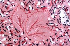 Projekt Czerwony kwiatu wzór na tkaninie. Obraz Stock