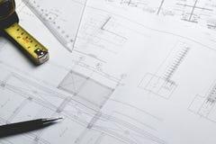 Projekt för skissning för papper för teknikdiagramritning arkivfoto
