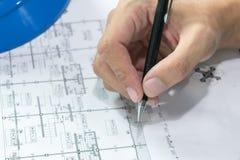 Projekt för skissning för papper för teknikdiagramritning arkivbild