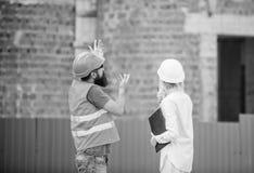 Projekta budowlanego zarządzanie Budować przemysłowego projekt Dyskutuje postępu projekt tła ceglani pojęcia budowy domu ikony pr obrazy royalty free