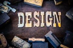 Projekta pojęcia drewno i Rdzewiejący metali listy Zdjęcia Stock