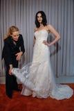 Projektant Michelle Roth zobaczy przy Michelle Roth wiosny 2016 kolekci Bridal prezentacją Obrazy Stock