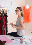Projektant mody przy pracą. Zdjęcie Stock