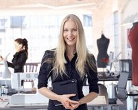 Projektanta mody przedsiębiorca przy małym biznesem Fotografia Royalty Free