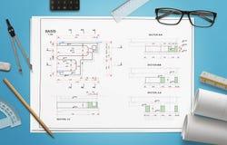 Projektieren Sie Zeichnung der Geschäftsanlage auf Arbeitsschreibtisch Lizenzfreies Stockfoto