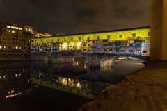 Projektionslicht auf Ponte Vecchio stockfotos