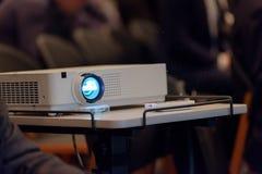 Projektor demonstruje prezentację fotografia royalty free