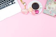 Projektujący kobiecy desktop Mieszkanie nieatutowy Obraz Stock