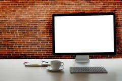 Projet de fond d'espace de travail nouveau sur l'ordinateur portable avec c vide Photographie stock libre de droits
