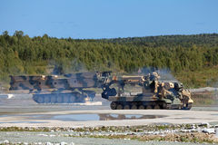 Projetando veículos militares Imagens de Stock