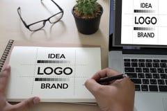 projete o gráfico criativo l do esboço do desenhista do tipo do trabalho da faculdade criadora fotos de stock