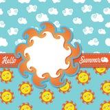 Projete o verão do molde olá! com sol e nuvens dos desenhos animados Imagens de Stock