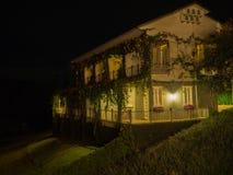 Projeto da arquitetura, casa do detalhe, cena da noite Fotos de Stock Royalty Free