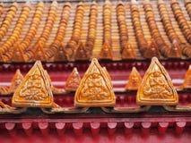 Projeto da arte do ângulo no telhado do templo de mármore Fotografia de Stock Royalty Free