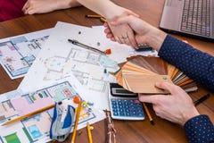 projeto da casa com ferramentas de funcionamento Imagem de Stock Royalty Free