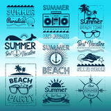 Projeto da tipografia do verão do vintage com etiquetas Imagens de Stock Royalty Free