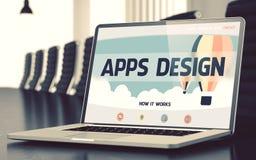 Projeto de Apps no portátil na sala de conferências 3d Fotografia de Stock Royalty Free