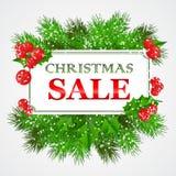 Projeto de cartão da venda do Natal com azevinho e abeto Imagens de Stock Royalty Free