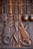 Projeto de cinzeladura de madeira da arte africana Fotografia de Stock