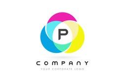 Projeto de letra circular colorido de P com cores do arco-íris ilustração royalty free