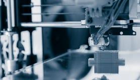 projeto de trabalho do yelement do mecanismo da impressora 3d do dispositivo durante os processos Imagem de Stock